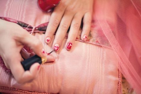 painting-fingernails-