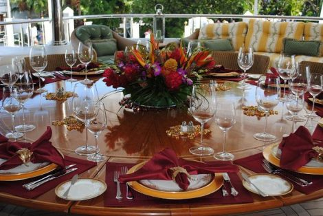 table-setting-for-party