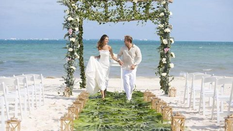 10 Things To Know For Your Beach Wedding