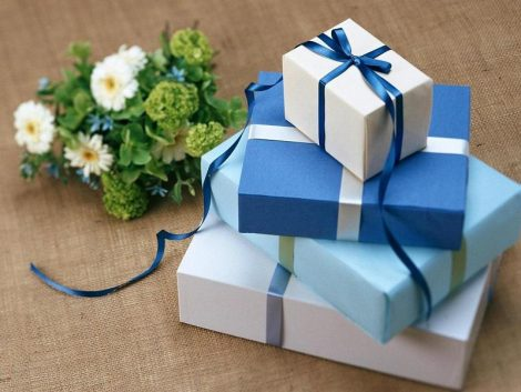 tips for wedding gifts